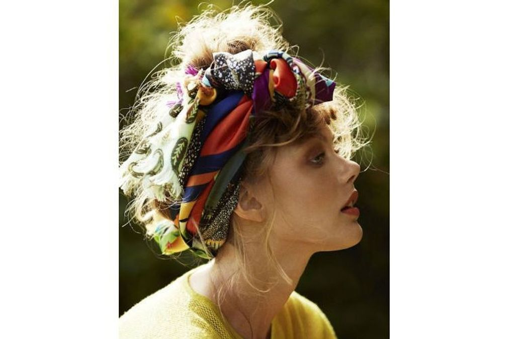 15 coiffures avec un foulard