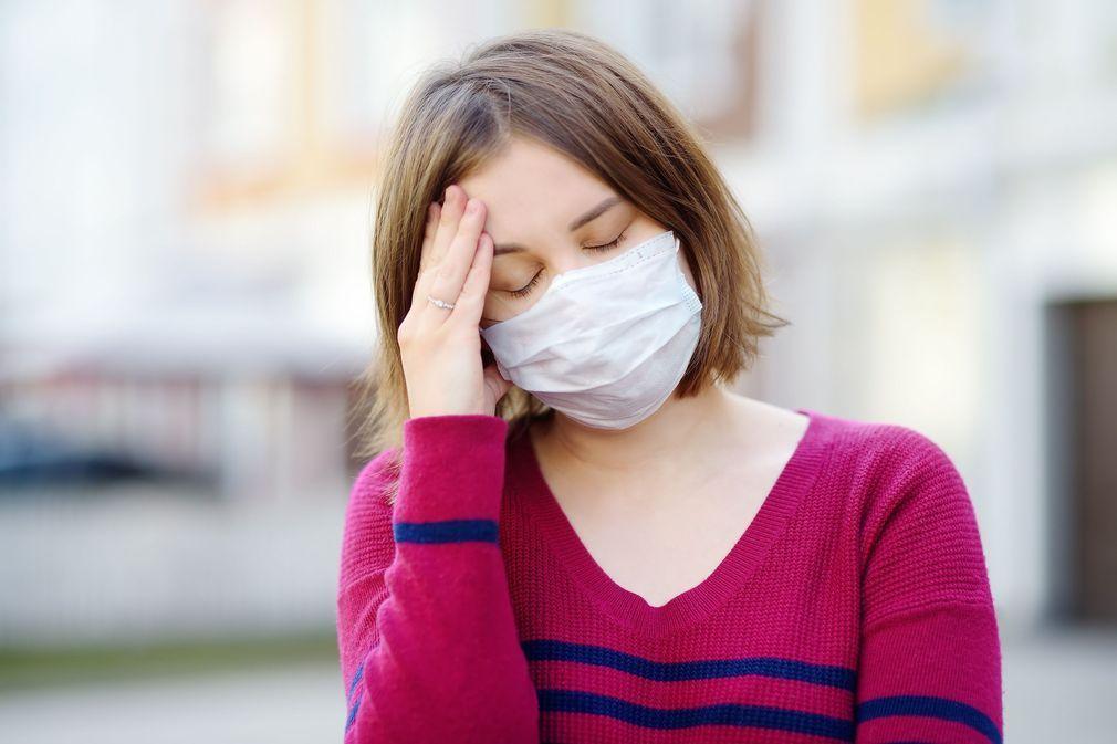 Irritation, chaleur, maux de tête... Conseils pour mieux supporter le masque