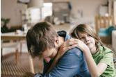Phénomène de parentification : quand l'enfant devient le parent de son parent