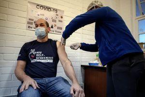 Coronavirus : énorme précommande d'un futur vaccin par Washington, 15 millions de cas dans le monde