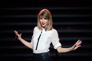 Hyperphagie nocturne :  ce trouble dont pourrait souffrir Taylor Swift
