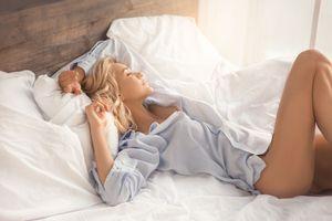 S'endormir avec un vêtement imprégné de l'odeur de sa moitié pourrait améliorer la qualité du sommeil