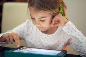 Un écran dans la chambre nuirait à la santé physique et mentale des enfants