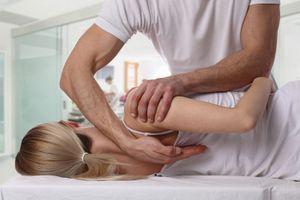 Chiropraxie, étiopathie et naturopathie, les 3 médecines alternatives qui séduisent les Français