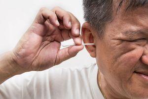 Infection de l'oreille : un coton-tige était coincé dans son oreille
