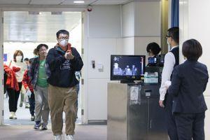 Virus : la Chine relève le bilan à 56 morts et plus de 2000 cas