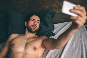 Affaire Benjamin Griveaux : 1 jeune sur 2 a peur d'être victime de revenge porn