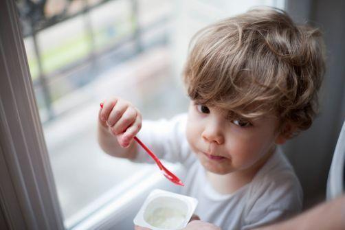 Mon enfant refuse de manger. Que dois-je faire ?