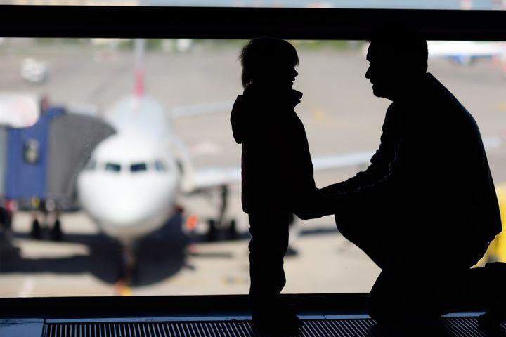 À quel âge votre enfant peut-il voyager seul ?