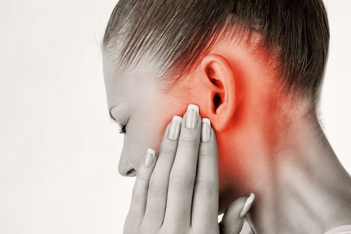 Dolor de oído: 10 tratamientos naturales contra el dolor de oído
