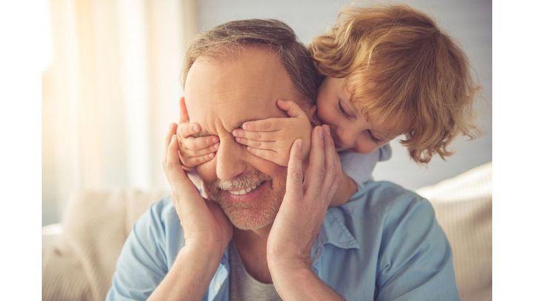 Etre grand-parent, ça vous stresse ?