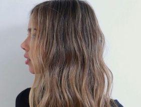 Hair contouring : tout savoir sur cette technique pour illuminer le visage