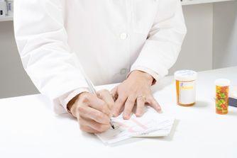 Les génériques sont-ils aussi sûrs que les médicaments de référence ?