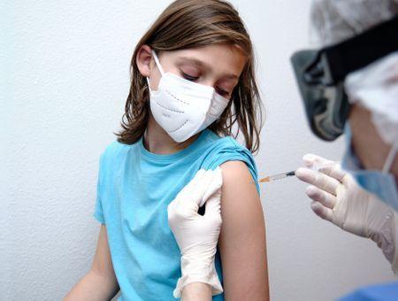 Covid-19 : le vaccin Pfizer-BioNTech jugé sûr chez les 5-11 ans