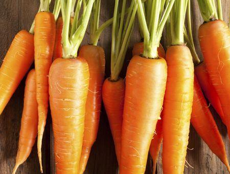 L'huile de carotte, pour le visage et les cheveux