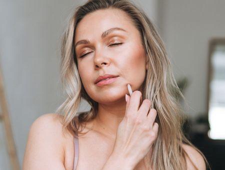 Pierre de Gua sha : comment s'en servir pour masser le visage ?