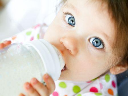 Un biberon pour bébé