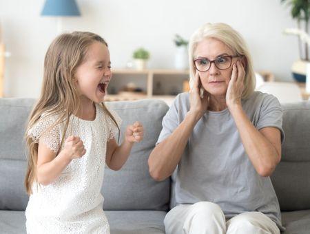 Enfants : comment réagir face aux attitudes qui nous déstabilisent ?