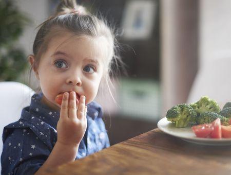 Alimentation des enfants : le HCSP actualise ses recommandations