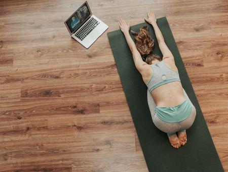 Confinement en France : les 10 meilleurs cours de Yoga en ligne