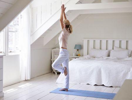 Yoga : 5 postures à faire le matin avant le petit-déjeuner