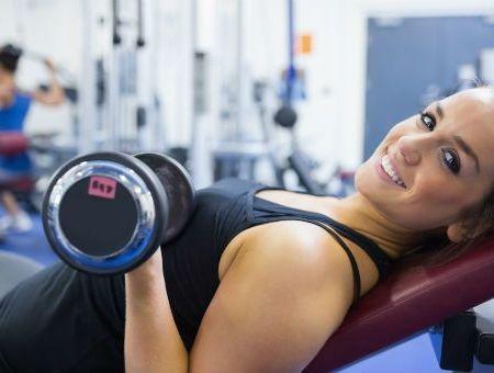 Musculation : le développé couché plus efficace en position inclinée ?