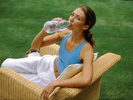 Sel, minéraux, plate ou gazeuse… Comment choisir son eau ?