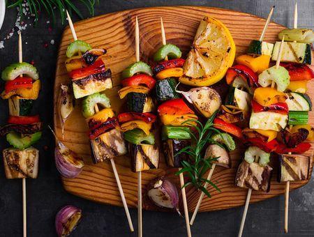 10 idées de recettes pour un barbecue végétarien
