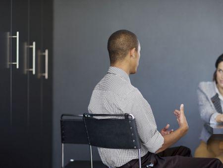 Synergologie : comment décoder le langage corporel de son interlocteur