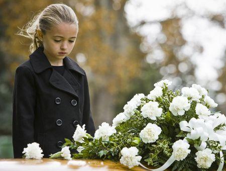 Comment aider un enfant à faire son deuil ?