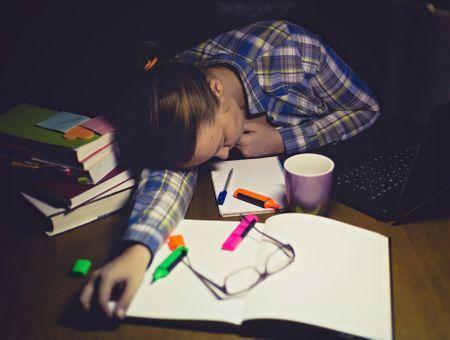 10 astuces pour bien dormir pendant les examens