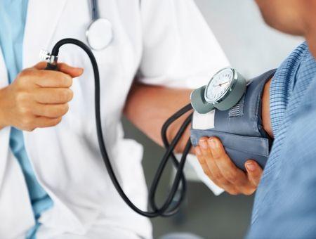 Existe-t-il un lien entre fatigue et pression artérielle ?