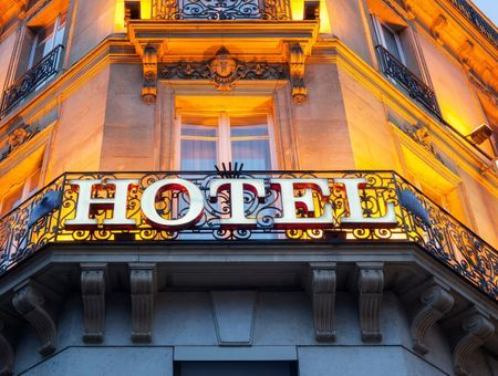 Coronavirus : Londres fournit 300 chambres d'hôtels aux SDF