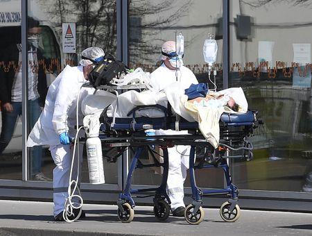 Coronavirus : près d'un milliard de personnes confinées dans le monde