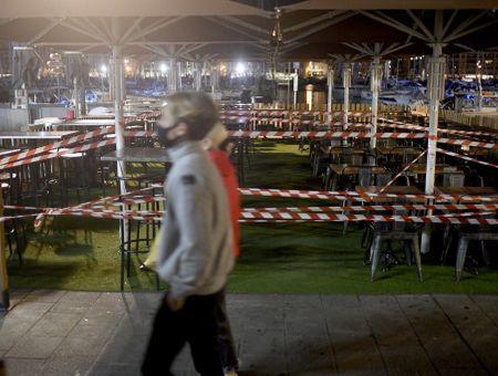 Covid-19 : la France étend les couvre-feux à 18H00 dans plusieurs départements