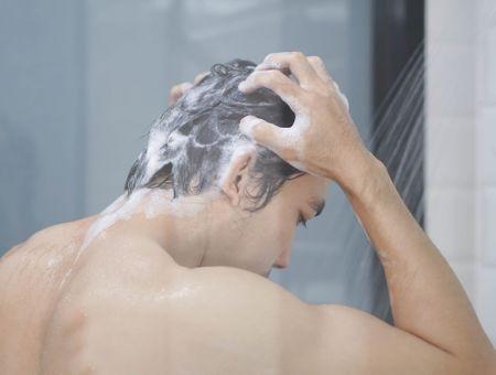 Les Français confinés se lavent moins souvent