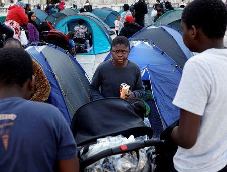 La moitié des précaires et migrants infectés au Covid en Ile-de-France