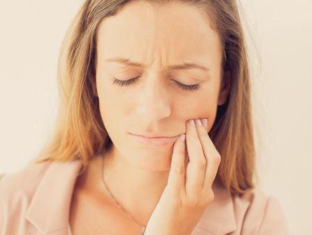 La parodontite, symptômes et traitements