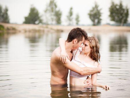 Coïtobalnéisme ou le fantasme de faire l'amour dans l'eau