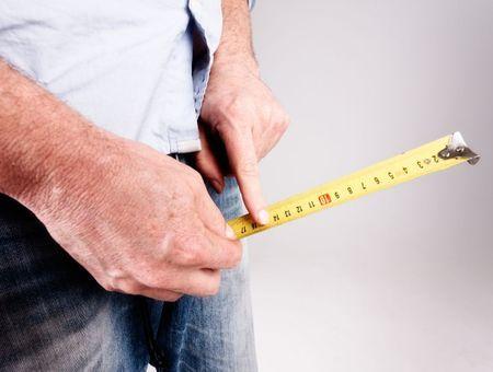 Taille du pénis : quelle est la longueur moyenne du sexe masculin ?