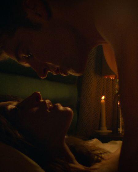 Qu'est-ce que la technique d'alignement coïtal  vue dans la série Netflix Sex/life ?