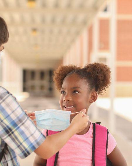 Pass sanitaire, levée du port du masque à l'école primaire : les annonces du gouvernement