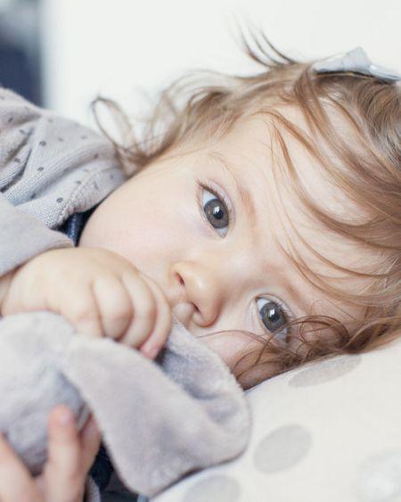 Comment laver les peluches, doudous et jouets de bébé ?