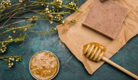 Les cosmétiques au miel