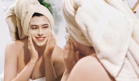Gommage : ce geste beauté pour le visage