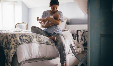 bebe-dormir-chambre-parent