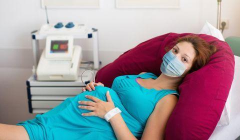 Port du masque pendant l'accouchement : quelles sont les recommandations ?