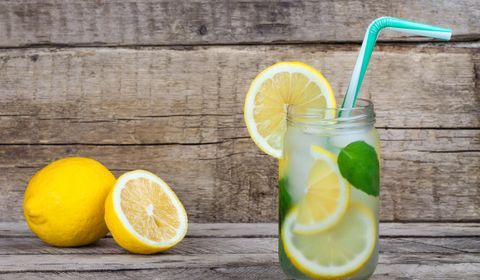 Lemon water: 10 health and slimming benefits - Doctissimo
