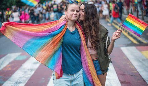 Homosexualité : 72% des parents l'acceptent aujourd'hui