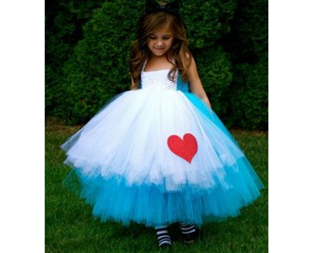 Déguisement d'Alice au pays des merveilles - Halloween : 30 idées de déguisement pour enfant